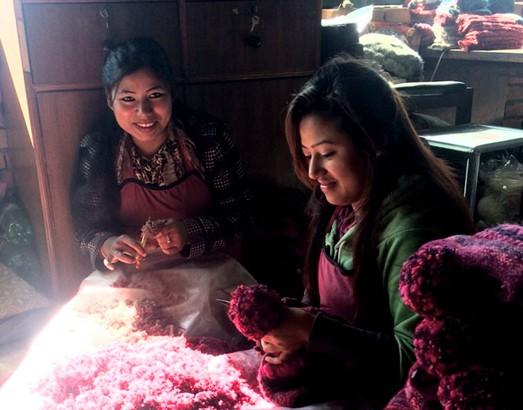 Nepal-woman-working_2