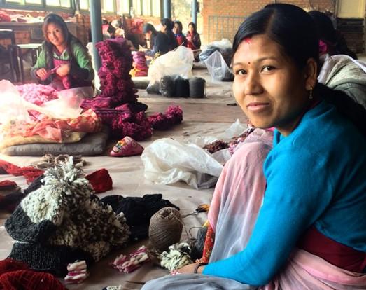 Nepal-woman-working_3